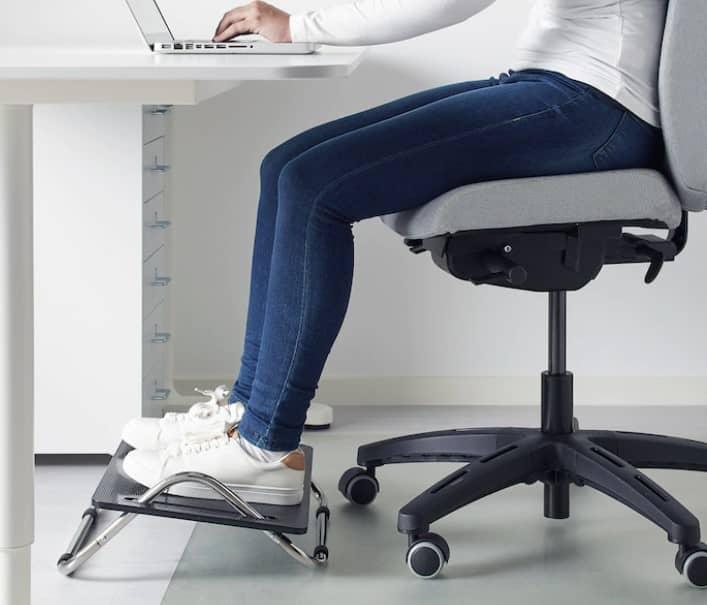 reposapies escritorio